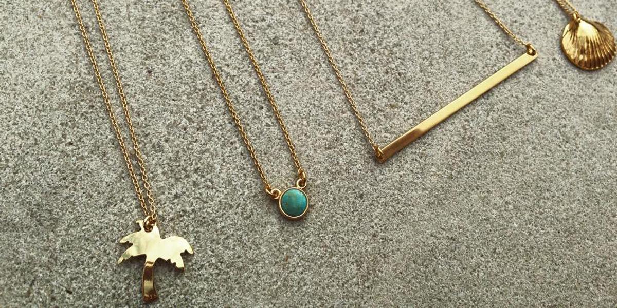 http://mood-jewellery-gb.shoplo.com/category/naszyjniki/necklace-with-textured-lamina